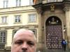 im Mai 2018 vor der deutschen Botschaft in Prag