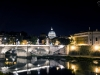 Blick auf den Petersdom bei Nacht