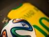 Trikot von Neymar und Spielball der WM 2014 im FIFA World Football Museum in Zürich